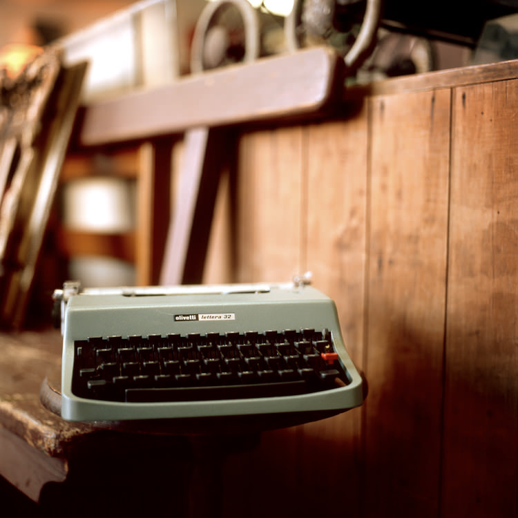 Mark Lobo Photography - Von Vintage - Typewriter